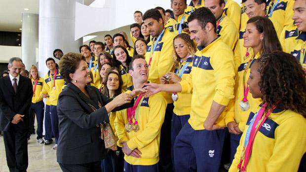 Federação Paulista de Atletismo recebe medalhistas do Pan