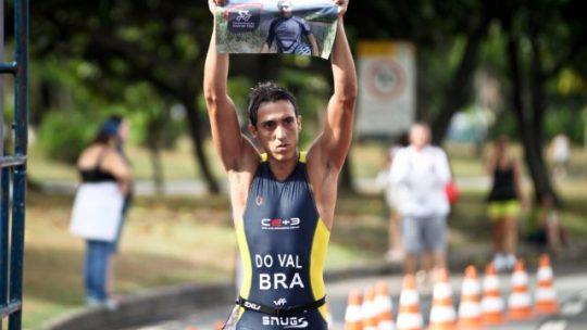 Bruno do Val é campeão da Copa Brasil de Sprint Triathlon