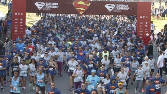 Corrida Superman & Supergirl mostra seus superpoderes no Rio Janeiro